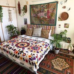 Bohemian house decor home ideas beach interior decorating Bohemian Style Bedding, Bohemian Bedroom Decor, Bohemian Interior, Home Decor Bedroom, Bohemian House, Bohemian Room, Bedroom Ideas, Modern Bedroom, Hippie House Decor