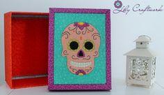 Caixa em MDF (madeira) trabalhada com tecido e patchwork embutido! Caveira Mexicana