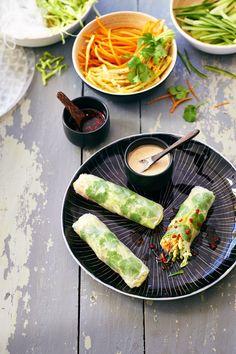 Mijn boyfriend trakteert me vaak op geweldige Vietnamese summer rolls bij een Vietnamees tentje. Ik vind ze zo lekker dat ik ze zelf ook maak. Het recept: