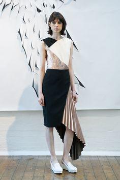 3D printing Model at London Fashion Week wearing 3D Printed shoe