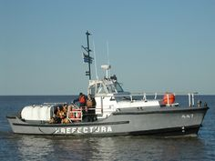 Rescate en proximidades del Puerto del Buceo Montevideo, Landing Craft, Koh Tao, Boats, Popular, Yacht Club, Sailing Ships, Places To Visit, Argentina