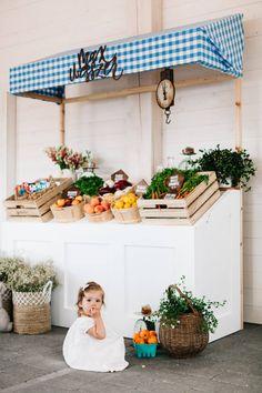 A Very Special Farmer's Market Baby Shower - Jillian Harris Farmers Market Display, Farmers Market Recipes, Baby Shower Themes, Baby Shower Decorations, Shower Ideas, Baby Shower Photography, Fairy Photography, Modern Farmer, Farm Birthday