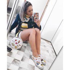 A super Carol Narizinho arrasa nas produções! Super antenada, a nossa it girl mostra que os stickers não são apenas para crianças!…