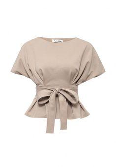 Блуза Tutto Bene выполнена из приятного на ощупь трикотажа. Детали: приталенный крой, вытачки, съемный пояс на талии.