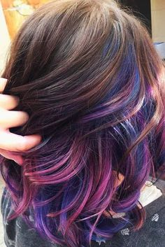 43 Amazing Dark Purple Hair, Balayage/Ombre/violet - New Hair Styles 2018 Dark Purple Hair, Hair Color Purple, Hair Dye Colors, Dark Hair, Pink Blue, Color Blue, Brown Hair Purple Highlights, Purple Ombre, Pink Brown
