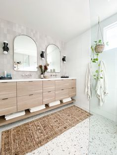 Modern Master Bathroom, Modern Bathroom Design, Modern Design, Bathroom Inspiration, Bathroom Ideas, Design Inspiration, Condo Remodel, Master Bath Remodel, Organic Modern