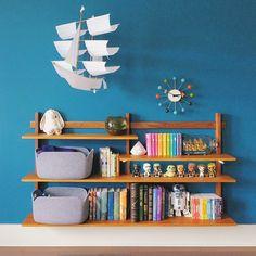 nursery bookshelf / sonyayu