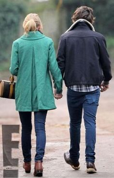 Okay they're cute. and i love her coat. Taylor Swift and Harry Styles