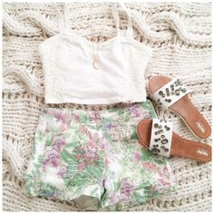 """Hollister White Lace Detail Bralette Top This bralette top is cute for Spring & layering. It's white & stretchy with lace on the sides{actual color of item may vary slightly from pics}  *chest:14.5"""" *waist:13"""" *length:8/straps:14"""" *material/care:no tag feels like cotton w/spandex /hand wash  *fit:more like medium *condition:good no rips/stains  20% off bundles of 3/more items No Trades  NO HOLDS No transactions outside of Poshmark  No lowball offers Hollister Tops Crop Tops"""