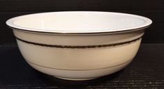 "Homer Laughlin Eggshell Georgian Viceroy Salad Serving Bowl 9 3/4"" G3330 NICE #HomerLaughlin #Georgian"