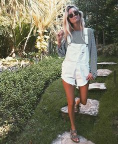 38 Trendy Overalls Outfits Ideas for Summer - Bellestilo Diy Outfits, Spring Outfits, Casual Outfits, Cute Outfits, Fashion Outfits, Womens Fashion, Preppy Casual, Outfit Summer, Smart Casual
