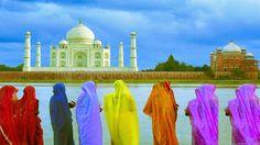 #ViajeDeNovios a #India: El Taj Mahal, un amor inmortal.   El Taj Mahal no es sólo una obra maestra de la arquitectura, y uno de los proyectos de construcción más grandiosos de la época, sino también un monumento a una historia de amor: el testimonio inmortal de la pasión entre el emperador Shah Jahan (Rey del Mundo) y su cuarta esposa Mumtaz Mahal. Taj Mahal, India, Islam, Places To Visit, Wallpaper, Building, Travel, Color, Tinkerbell