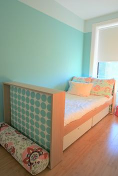 Duc Duc Bed and bolster Modern Childrens Furniture, Kid Beds, Nightstand, Toddler Bed, Kids Room, Hardwood, Teen Rooms, House Design, Interior Design