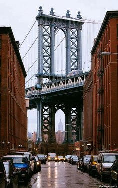 Love how the Empire State lines up perfectly with the Manhattan Bridge in Brooklyn.