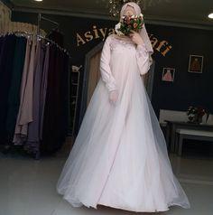 Likes, 30 Comments - Для мусульманок, с любовью❤ (. Muslimah Wedding Dress, Muslim Wedding Dresses, Muslim Brides, Muslim Dress, Wedding Gowns, Bridal Hijab, Bridal Outfits, Bridal Dresses, Hijab Dress Party