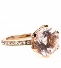 From special occasions to elegant evening affairs: Cada's 18kt red gold ring, encrusted with 24 brilliant white diamonds and perfected with a faceted 4.74ct morganite gemstone, imbues an illuminating effervescence lasting from season to season.