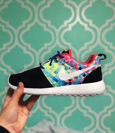 Custom nike roshe running shoes. #runningshoes #womenrunningshoes