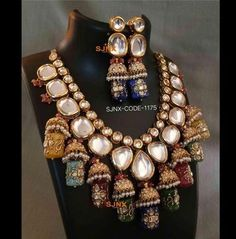 Antique Jewellery Designs, Fancy Jewellery, Stylish Jewelry, Fashion Jewellery, Amrapali Jewellery, Jewellery Showroom, Diamond Jewellery, Fashion Necklace, Indian Jewelry Sets