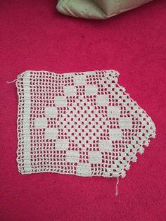 Crochet Borders, Filet Crochet, Love Crochet, Diy Crochet, Crochet Designs, Crochet Patterns, Baby Witch, Lace Border, Diy And Crafts