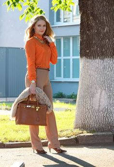 Find and save outfit ideas about on Chicisimo app, the outfit ideas app that helps women decide what to wear. Orange Top Outfit, Orange Blouse, Preppy Outfits, Classy Outfits, Fashion Outfits, Women's Fashion, Orange Color Combinations, Outfits Leggins, Top Street Style