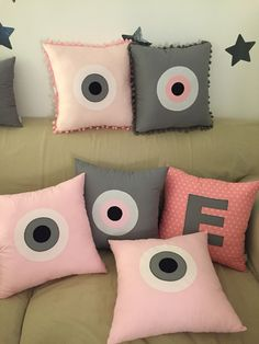 evil eye!! Bed Pillows, Cushions, Baptism Decorations, Diy Projects To Try, Fabric Painting, Evil Eye, Soft Furnishings, Color Inspiration, Pillow Covers