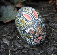 painted rock Easter bunny