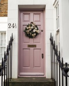 New bold front door colors spaces 53 Ideas Bold Front Door, Pink Front Door, Exterior Design, Beautiful Doors, Door Color, Future House, Doors, Painted Doors, House Exterior