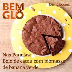 Vem aprender a preparar a funcional Biomassa de banana verde para fazer um bolo de cacau sem farinha! #bemglo #naspanelas #biomassa