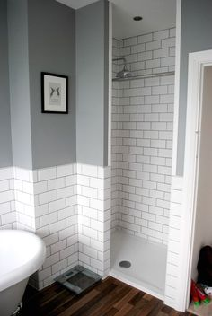 Beautiful gray and white bathroom ideas for 2020 stylish color combinations 18 – Diy Bathroom Remodel İdeas White Tiles Grey Grout, White Subway Tiles, White Wall Tiles, Downstairs Bathroom, Bathroom Grey, Bathroom Subway Tiles, Tiled Bathrooms, Bathroom Vanities, Bathroom Bin