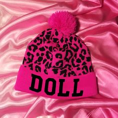 HOT PINK LEOPARD DOLLIDAY BEANIE – nikkilipstick Warm Outfits, Cute Outfits, Nikki Lipstick, Hobo Chic, Dope Hats, Beanie Hats, Beanies, Head Accessories, Everything Pink