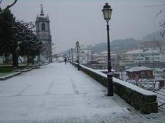 Boa tarde :D O Jardim dos Centenários em Arcos de #Valdevez aquando do nevão de 2009 - http://ift.tt/1MZR1pw -