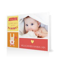 Geburtskarte Willkommen mit Wimpeln in Koralle - Klappkarte flach #Geburt #Geburtskarten #Mädchen https://www.goldbek.de/geburt/geburtskarten/maedchen/geburtskarte-willkommen-mit-wimpeln?color=koralle&design=20ea0