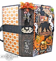 Get your Halloween on with this Authentique Twilight Double Waterfall Album Tutorial. It's a spooktacular, boo-tiful and easy album to make! Halloween Mini Albums, Halloween Scrapbook, Halloween Books, Halloween Cat, Halloween Stuff, Paper Art, Paper Crafts, Mini Album Tutorial, Pocket Scrapbooking