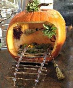 So adorably cute, Beautiful pumpkin fairy house to make with the kids