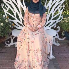 """2,193 Likes, 2 Comments - ﷽ (@hijabiselegant) on Instagram: """"@alqamar_x #hijabiselegant"""""""