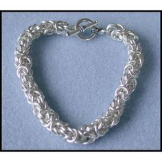 Byzantine Bracelet Chain maille Kit with Tutorial in 16 gauge Non Tarnish Silver Plate, with toggle clasp and connector rings. $34.00, via Etsy. love it! must try! #ecrafty
