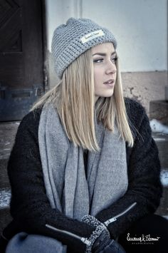Mössa Sverige Mode Modell Grå Stil Style Fashion Autumn Winter Jacket Emsing Storm Handmade Logo Brand Hat Yarn Järbo Garn Brand