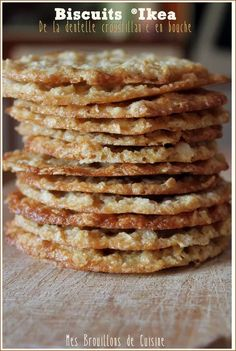 Crunchy oatmeal cookies like at IKEA®! Cookie Recipes, Snack Recipes, Dessert Recipes, Snacks, Chocolate Filling, Homemade Chocolate, Desserts With Biscuits, Biscuit Cookies, Oatmeal Cookies