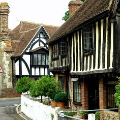 Behind the facades of the Kent village of Ightham, one of the prettiest villages in the South of England, lurk histories of murder and mystery dating all the way back to prehistoric times. Places In England, Visit England, Kent England, Day Trips From London, English Village, Mysterious Places, Tudor House, English Countryside, Architecture