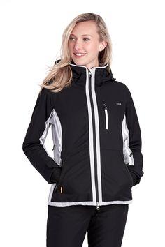 Aerodynamic and fitted, this jacket makes for a streamlined silhouette on ski days. / Aérodynamique et ajusté, il possède un système d'aération doublé en filet sous les bras.