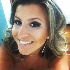 Blow mara by Camila torres #espacodellasbar  e make by euzinha