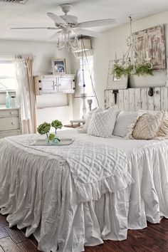 Unbelievable Unique Ideas: Shabby Chic Bedroom On A Budget shabby chic crafts upcycling.Shabby Chic Salon Names shabby chic bedroom on a budget. Chic Decor, Farmhouse Bedroom Decor, Chic Bedroom, Bedroom Decor, Chic Bedding, Ruffle Bedspread, Shabby Chic Room, Shabby Chic Bedding, Chic Home Decor