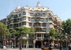 Antoni Gaudi: Casa Mila