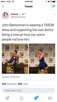 John Barrowman looking fabulous in a TARDIS dress at ComiCon.