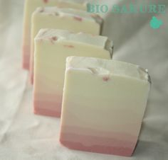 Anna Ross, Soap Recipes, Home Made Soap, Handmade Soaps, Homemade Beauty, Soap Making, Pillar Candles, Bubbles, Perfume