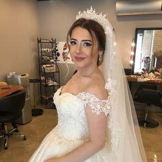 #bybride bybride #kına #kınasaçı #henna #hennanight #hennahair #gelintopuzu #gelin #gelinsaçı #gelinmakyajı #profesyonelmakyaj #kryolan #hair #hairstyle #saçmodelleri #gelinbaşı #nişan #nişansaçı #topuz #topuzmodelleri #salaştopuz #dağınıktopuz #makeup #yıldırımmahallesi #makeuplover @birsenkuafor  #bybride bybride #kına #kınasaçı #henna #hennanight #hennahair #gelintopuzu #gelin #gelinsaçı #gelinmakyajı #profesyonelmakyaj #kryolan #hair #hairstyle #saçmodelleri #gelinbaşı #nişan #nişansaçı…
