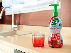 le sirop facile à doser chez Teisseire Spray Bottle, Cleaning Supplies, Syrup, Custom In, Cleaning Agent, Airstone