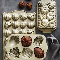 Nordic Ware Fall Cakelet Pan & Williams-Sonoma Guittard Chocolate Quick Bread Mix Set Need to buy Nordic Ware, Fall Baking, Holiday Baking, Williams Sonoma, Fall Harvest, Cake Pans, Bakeware, Fall Recipes, Eat Cake