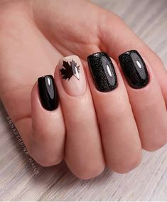 Hey there lovers of nail art! In this post we are going to share with you some Magnificent Nail Art Designs that are going to catch your eye and that you will want to copy for sure. Nail art is gaining more… Read Winter Nail Art, Autumn Nails, Winter Nails, Nails Design Autumn, Fall Gel Nails, Nail Art For Fall, Black Nail Designs, Fall Nail Designs, Latest Nail Designs