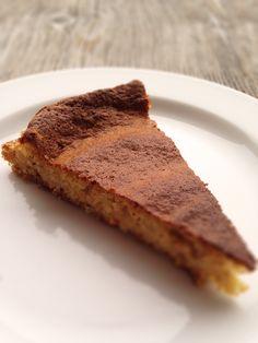 Torta di nocciole senza farina e senza latte, basso indice glicemico, alto indice di bontà.